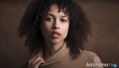 An Interesting Two-Light Setup for Professional Portraits