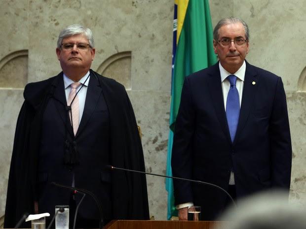 O procurador-geral da República, Rodrigo Janot (e), e o presidente da Câmara dos Deputados, Eduardo Cunha (PMDB-RJ), na solenidade de abertura do Ano Judiciário de 2016 (Foto: André Dusek/Estadão Conteúdo)