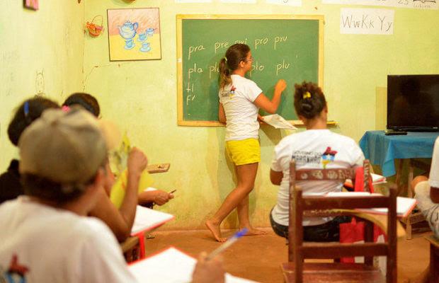 Brasil: Proyecto coordinado por el MST alfabetiza más de 7 mil personas con método cubano