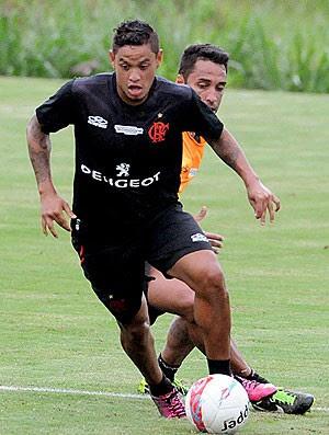 Carlos Eduardo treino Flamengo (Foto: Alexandre Vidal / Fla Imagem)