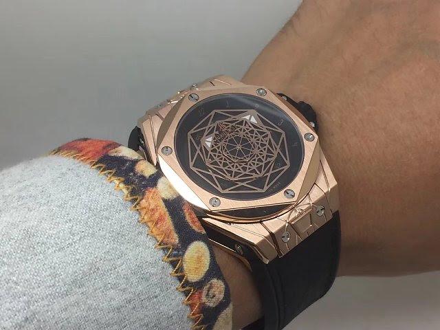 Hublot Big Bang Sang Bleu Wrist Shot
