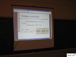 Aula com apresentação de slides digital