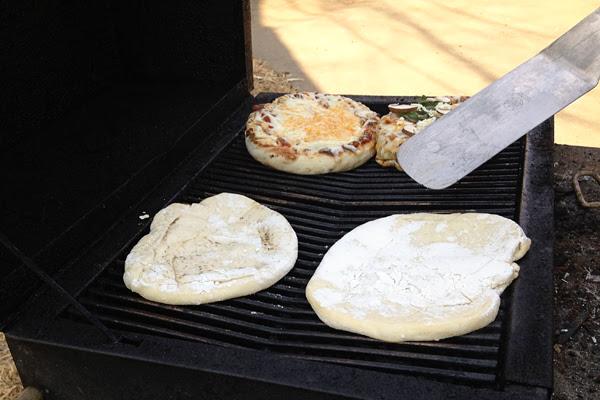 grilledpizzas4