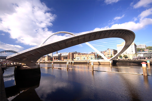 Image Gateshade Millenium Bridge, Copyright © Adrian Wilson
