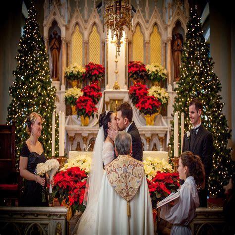 Spectacular Christmas wedding Essentials for bride and