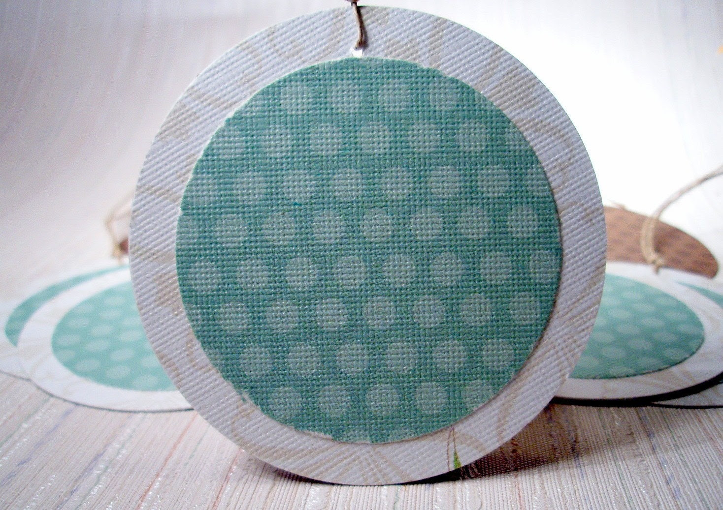 Brown Dots Green Spots - Set of 10 round gift tags