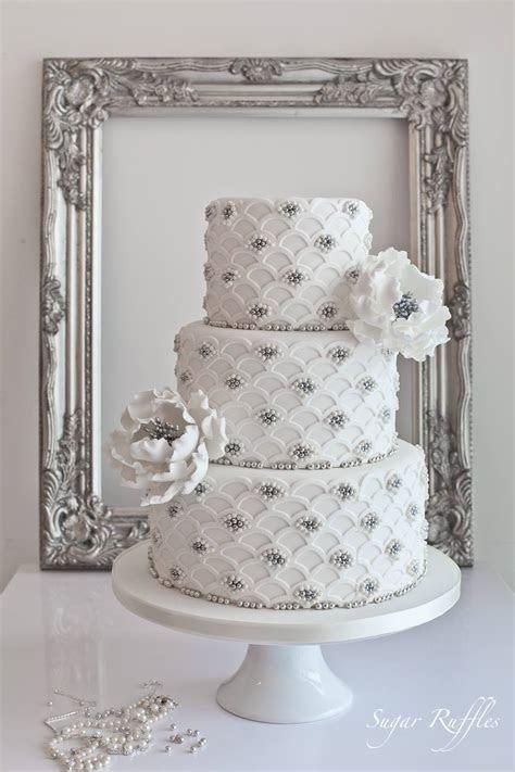 Delicate Wedding Cakes   MODwedding