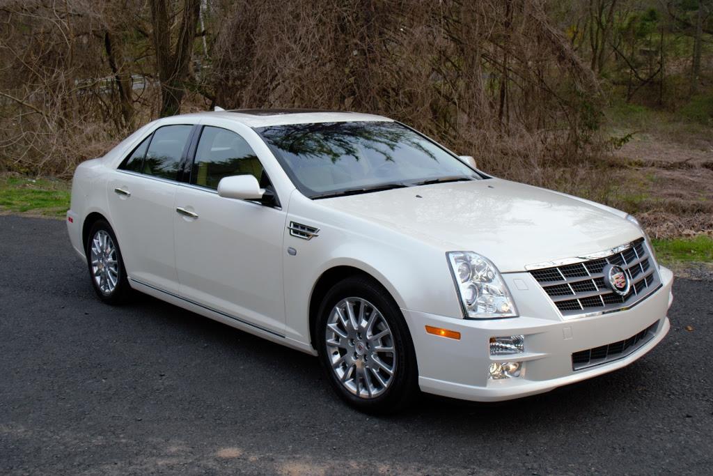 2010 Cadillac STS - Information and photos - MOMENTcar