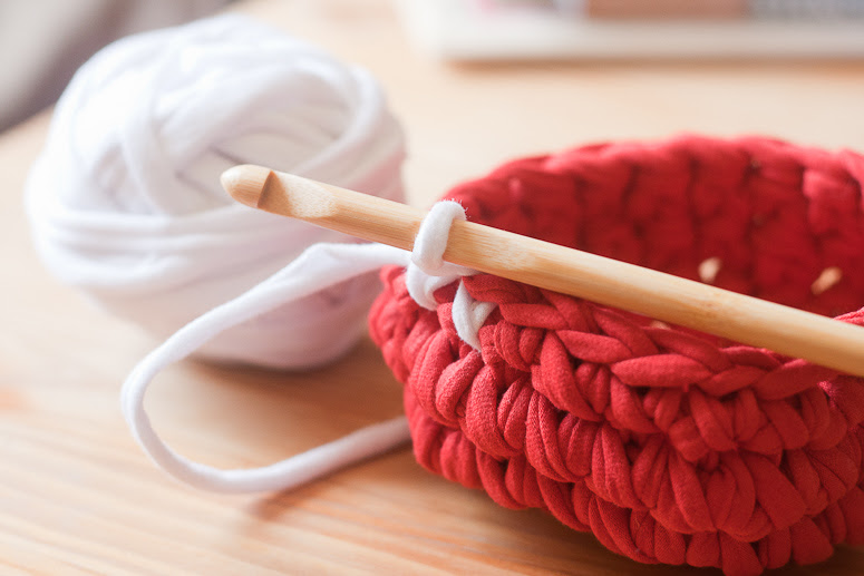 Make a crochet basket from t-shirt yarn at Callaloo Soup -10