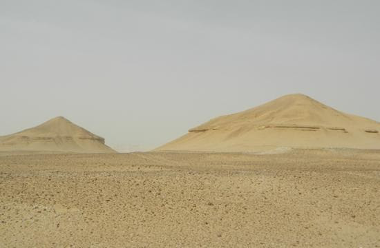 abu-sidhum-large-mounds-long-lost-pyramids-found.jpg