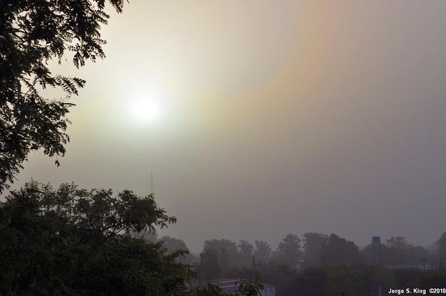 Sol detrás del polvo