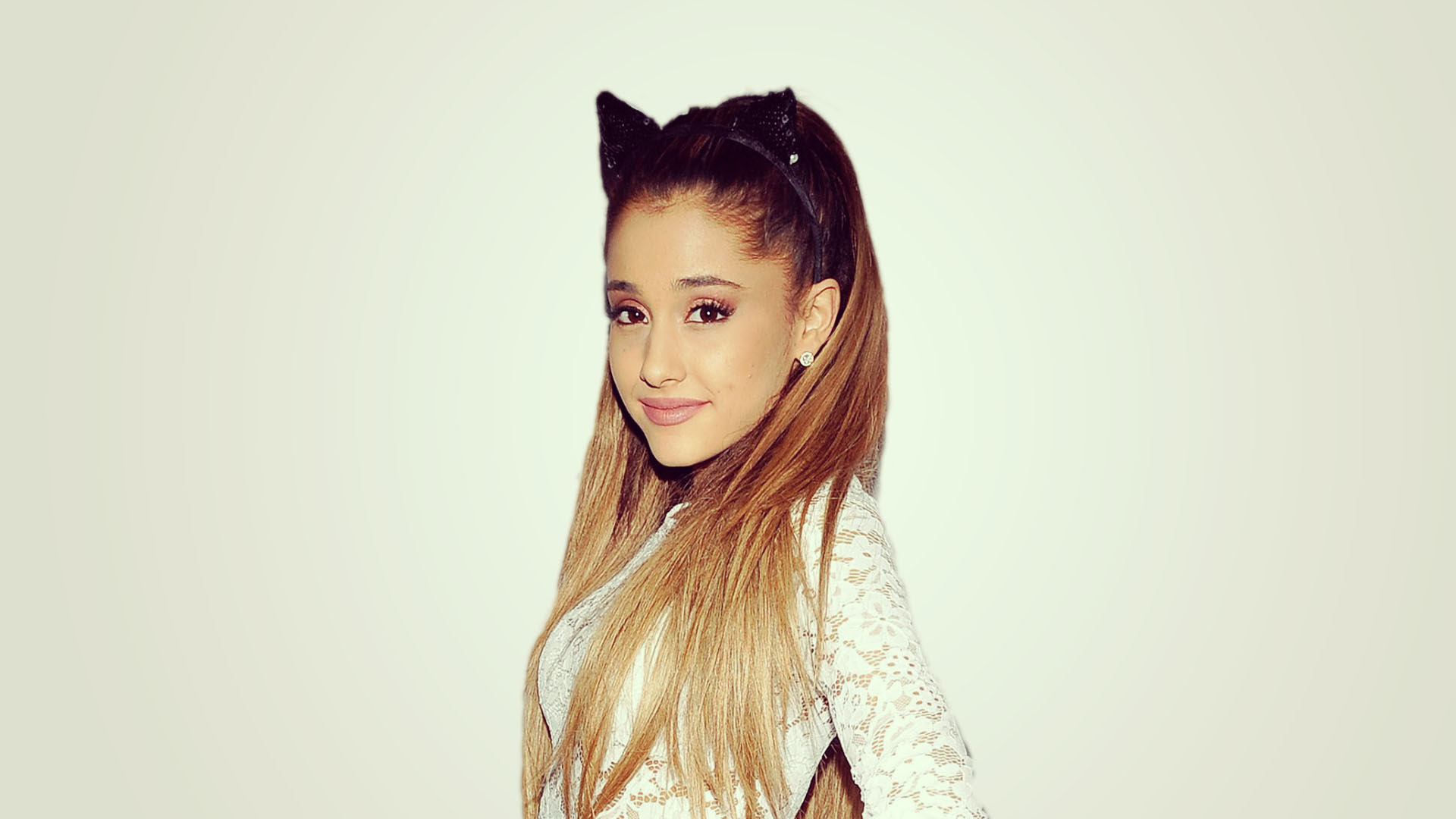 Ariana Grande HD Wallpapers for desktop download
