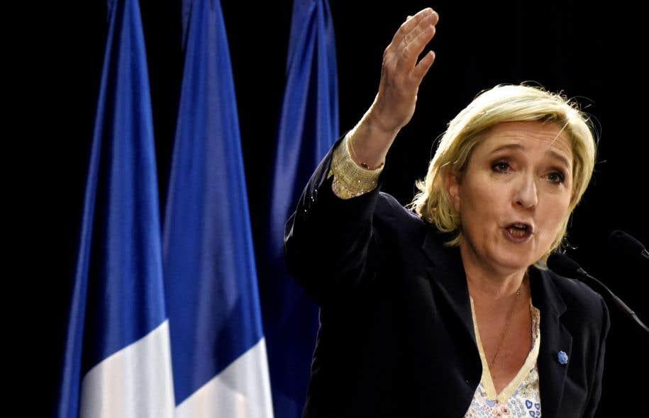 Depuis un an, Marine Le Pen est probablement la candidate à l'élection présidentielle qui a été la moins présente dans les médias.