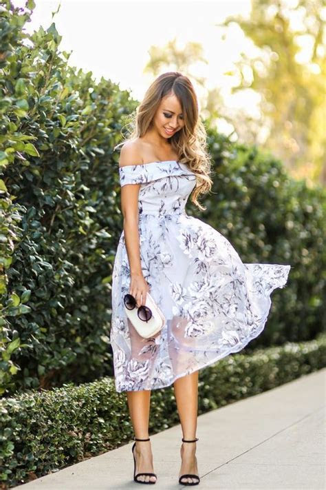 How to Wear the Off Shoulder Trend   Romantic, Summer