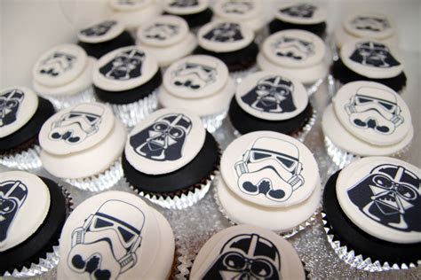Stormtrooper and Darth Vader cupcakes   Emma Townsend Cakes