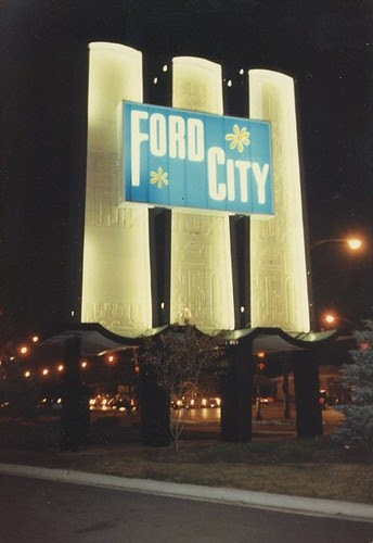 Eddie S Rail Fan Page The Original Ford City Sign On