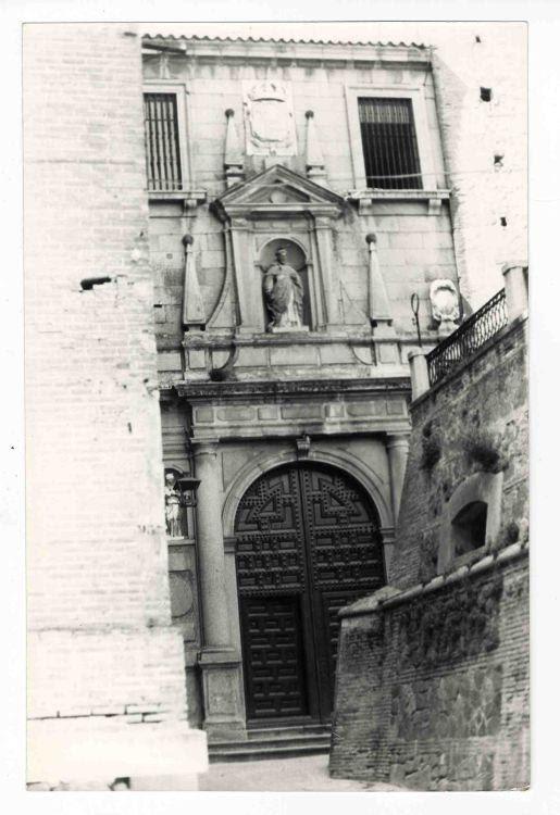 Depósitos de agua junto a San Pedro Martir en San Román hacia 1970. Colección Luis Alba. Ayuntamiento de Toledo