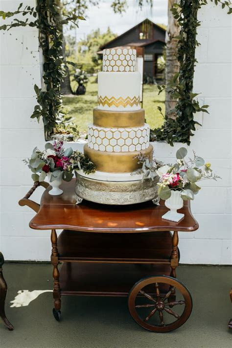 32 best Glam Wedding Cakes by Party Flavors Custom Cakes