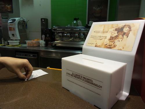 Scatola delle storie di caffè by Ylbert Durishti