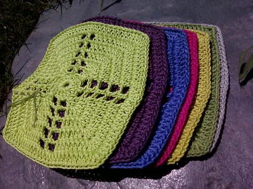 More crochet squares...