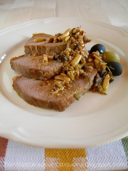 Arrosto in salsa di olive verdi pinoli e acciughe - Cucinare olive appena raccolte ...