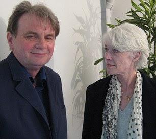 Françoise com VOCÊ escritor John Andrew