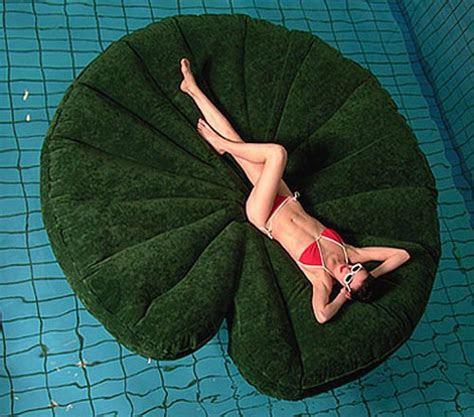 Round Inflatable Lily Pad Raft » Funny, Bizarre, Amazing