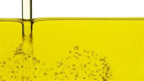 Cooking with vegetable oil releases toxic chemicals linked