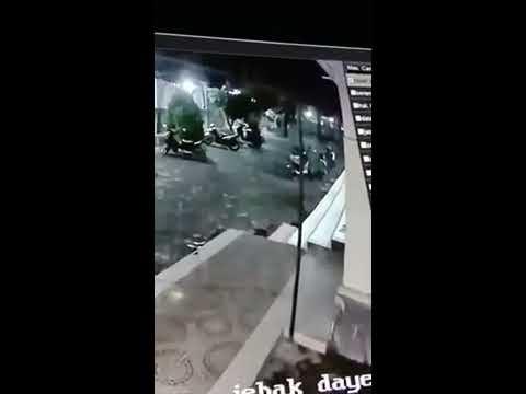 Viral! Maling Motor di Masjid Jami' Baiturrahiem Desa Penujak Terekam Kamera CCTV
