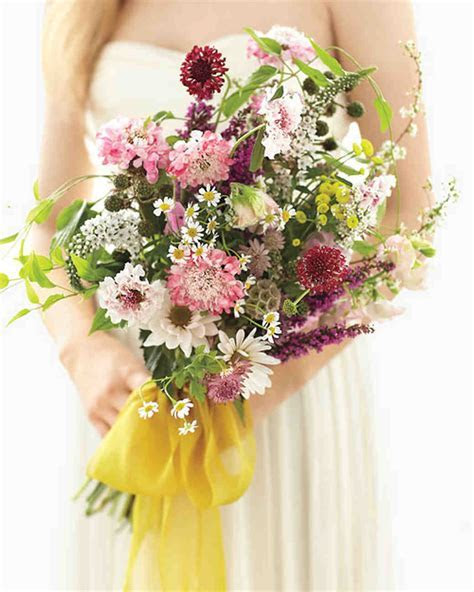 Elegant and Inexpensive Wedding Flower Ideas   Martha