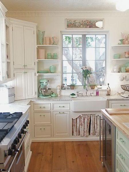 cute cottage kitchen