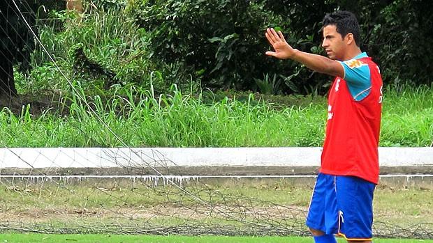 Maldonado no treino do Flamengo (Foto: Janir Junior / GLOBOESPORTE.COM)