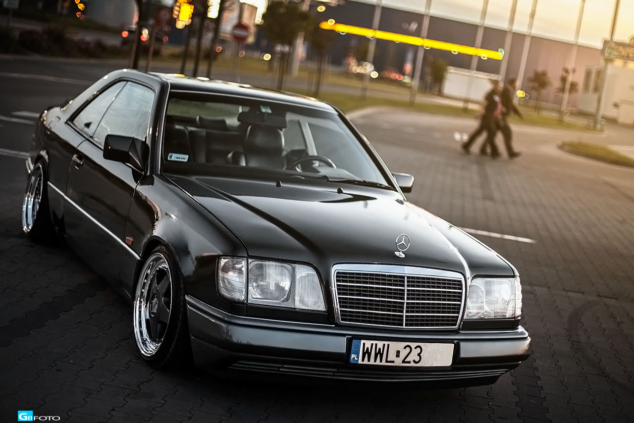 Run4fun Mercedes Benz W124 Coupe Oz Futura