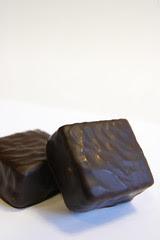 Guimauve à la Vanille Enrobée de Chocolat, Pierre Marcolini, Salon de Chocolat Tokyo