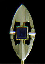 Art Deco shield and spear stickpin. (J9137)