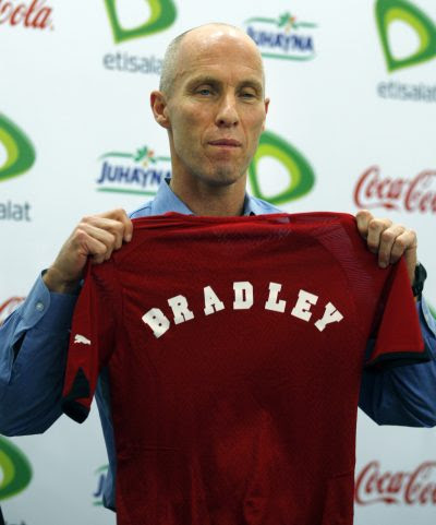 Bob Bradley in 2011 with the Egyptian national team. (Khal   il Hamra, file/AP)