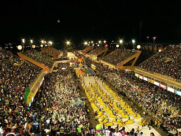 Desfile acontecerá das 18h40m do sábado (18) e vai até às 6h30m do Domingo (19) (Foto: Frank Cunha/G1)