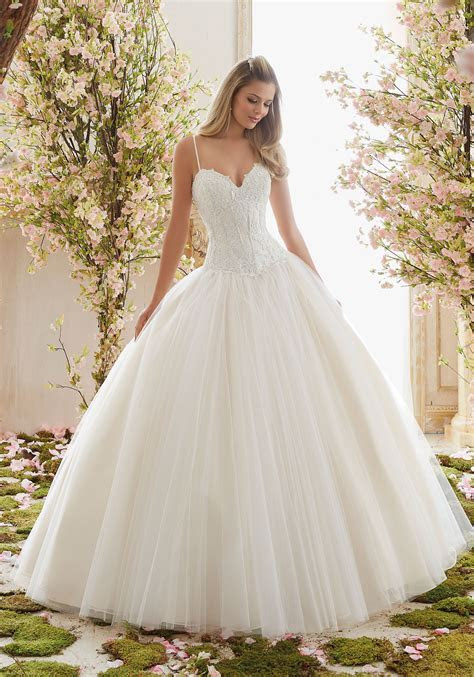 Chantilly Lace on Tulle Ball Gown Wedding Dress   Style