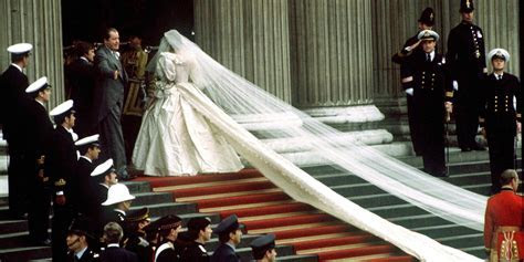Princess Diana?s Wedding Photo Retrospective   Pictures