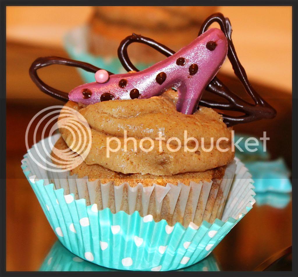 cupcakes photo: Fancy Cupcakes YUMYUMSCUPCAKECORNER2012037_zpse9da3625.jpg