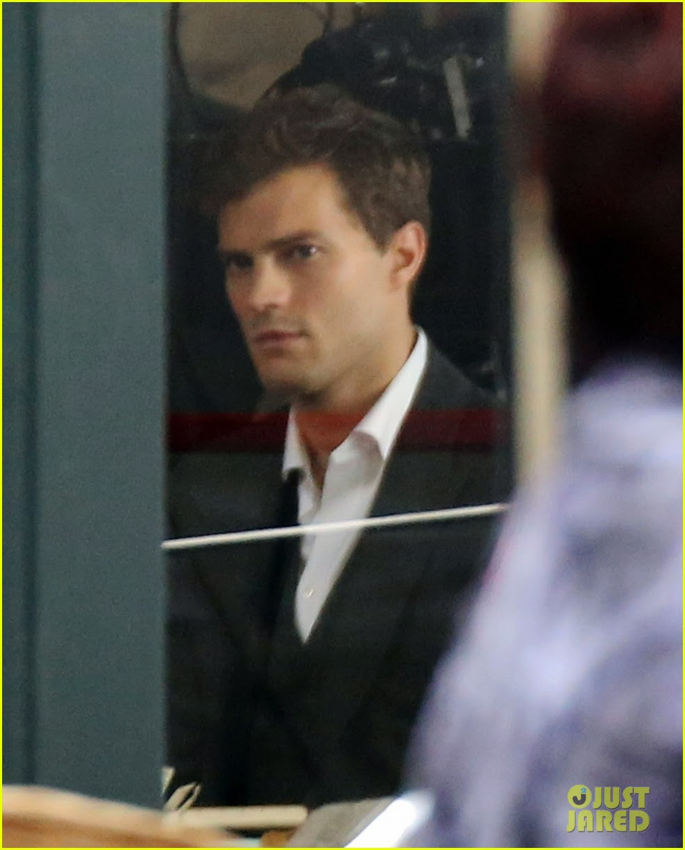 jamie dornan filming fifty shades of grey first photos on set 01