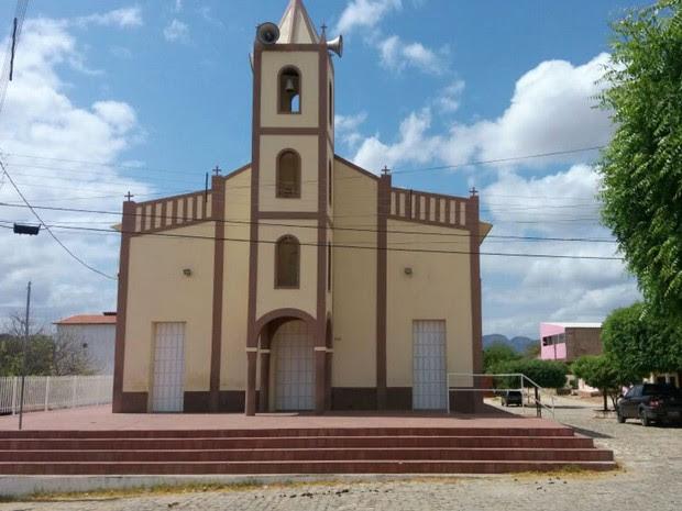 Igreja matriz de Lucrécia, cidade do interior do Rio Grande do Norte (Foto: Fred Carvalho/G1)
