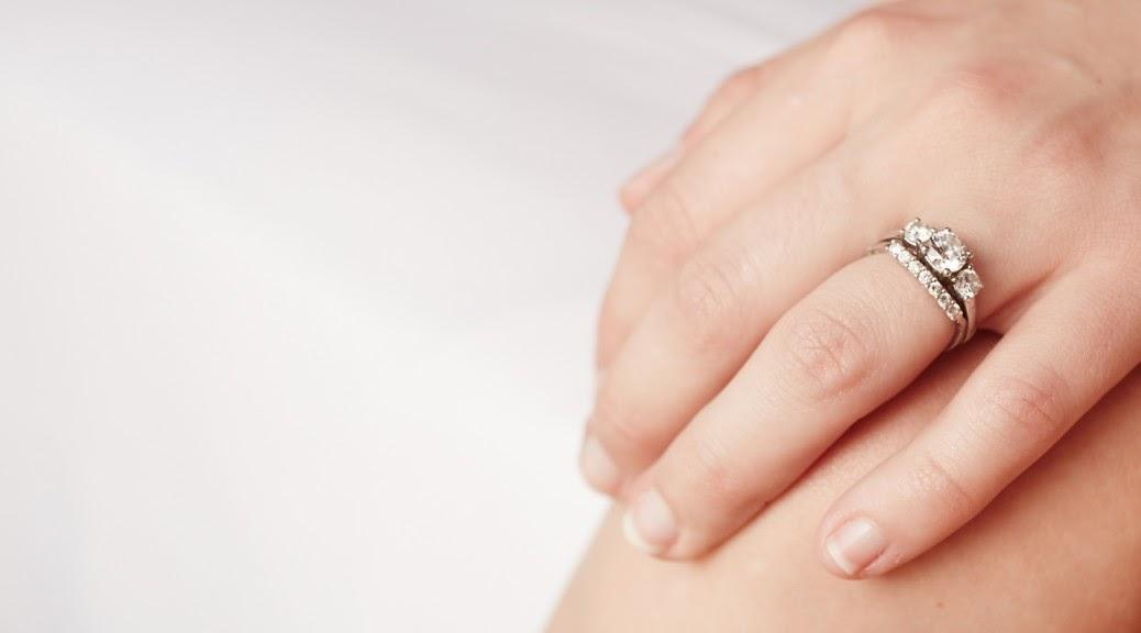 cefecubanc: Verlobungsring hand