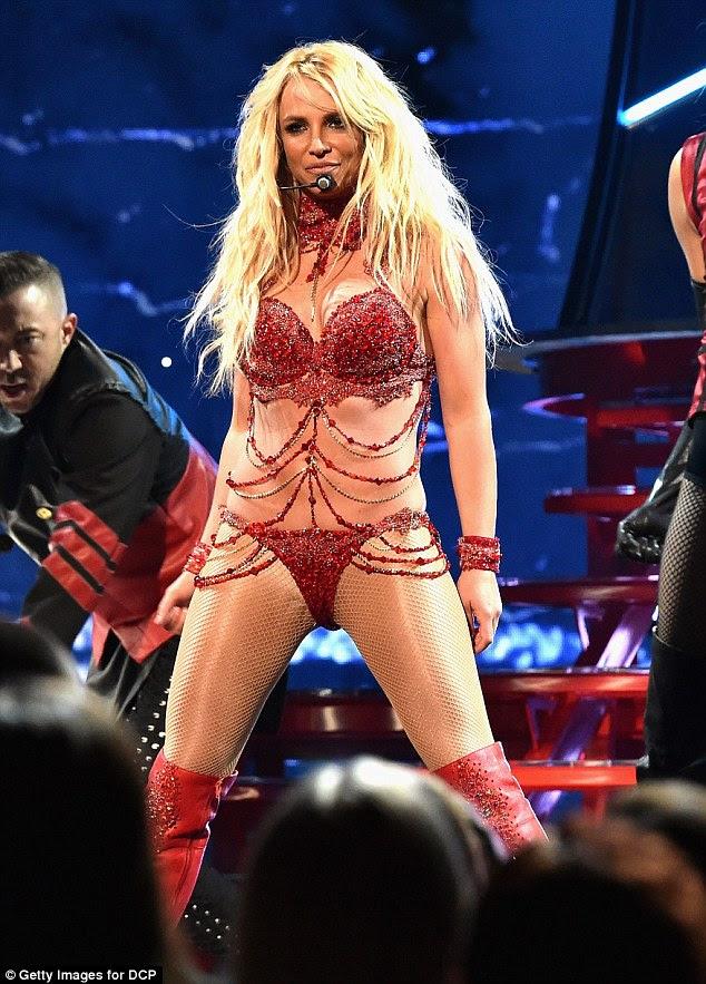 Ela é tão sortuda: Enquanto não é nenhuma surpresa para ouvir Britney Spears está financeiramente confortável, tem sido relatado que a estrela fez uma gritante $ 13,395,410.53 em 2015 sozinho