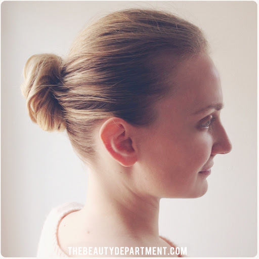 http://thebeautydepartment.com/wp-content/uploads/2014/01/the-beauty-department-infinity-bun.jpg