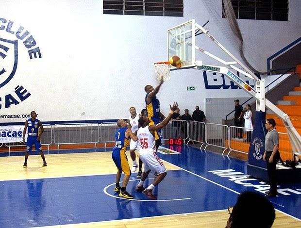 jogo Flamengo e Campo basquete (Foto: Marcello Pires)