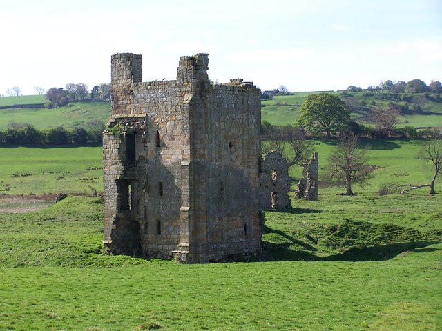 Ravensworth Castle - geograph.org.uk - 2380905.jpg