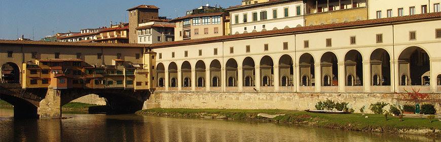 http://www.museumsinflorence.com/foto/corridoio%20vasariano/thumbnails/corridoio.jpg