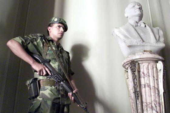 Resultado de imagen para Fuerzas Armadas intervengan en Seguridad