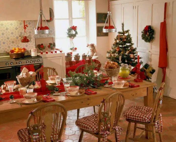 40 cozy christmas kitchen 40 cozy christmas kitchen dcor ideas digsdigs - Country Christmas Table Decorations